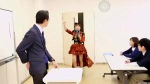 AKB48 高橋みなみ×メガネの愛眼 「ガンガンアイガン」 _ AKB48[公式].mp4_snapshot_00.26_[2016.02.02_01.23.35]