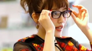 AKB48 高橋みなみ×メガネの愛眼 「ガンガンアイガン」 _ AKB48[公式].mp4_snapshot_01.15_[2016.02.02_01.26.35]