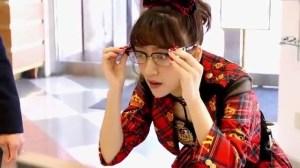 AKB48 高橋みなみ×メガネの愛眼 「ガンガンアイガン」 _ AKB48[公式].mp4_snapshot_01.18_[2016.02.02_01.26.40]