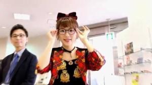 AKB48 高橋みなみ×メガネの愛眼 「ガンガンアイガン」 _ AKB48[公式].mp4_snapshot_01.19_[2016.02.02_01.26.48]