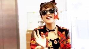 AKB48 高橋みなみ×メガネの愛眼 「ガンガンアイガン」 _ AKB48[公式].mp4_snapshot_01.41_[2016.02.02_01.27.29]