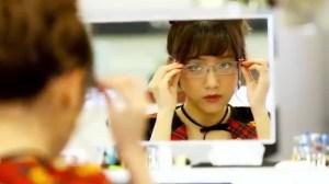 AKB48 高橋みなみ×メガネの愛眼 「ガンガンアイガン」 _ AKB48[公式].mp4_snapshot_02.57_[2016.02.02_01.30.07]