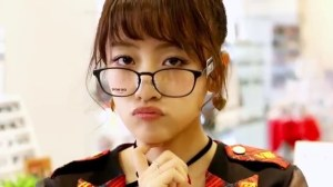 AKB48 高橋みなみ×メガネの愛眼 「ガンガンアイガン」 _ AKB48[公式].mp4_snapshot_03.16_[2016.02.02_01.31.15]